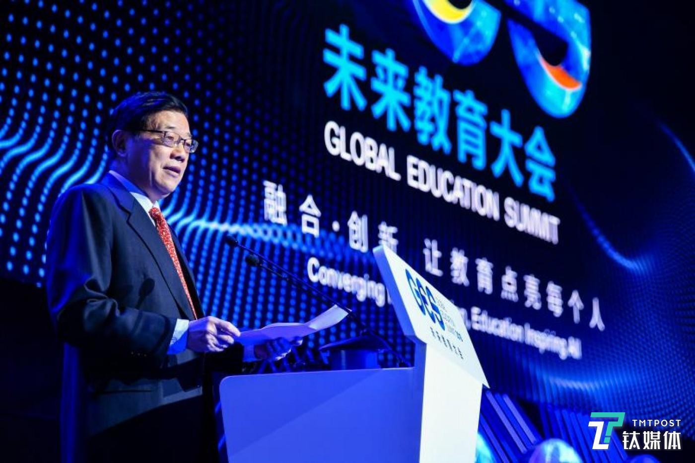 国务院发展研究中心主任、中国发展研究基金会理事长李伟
