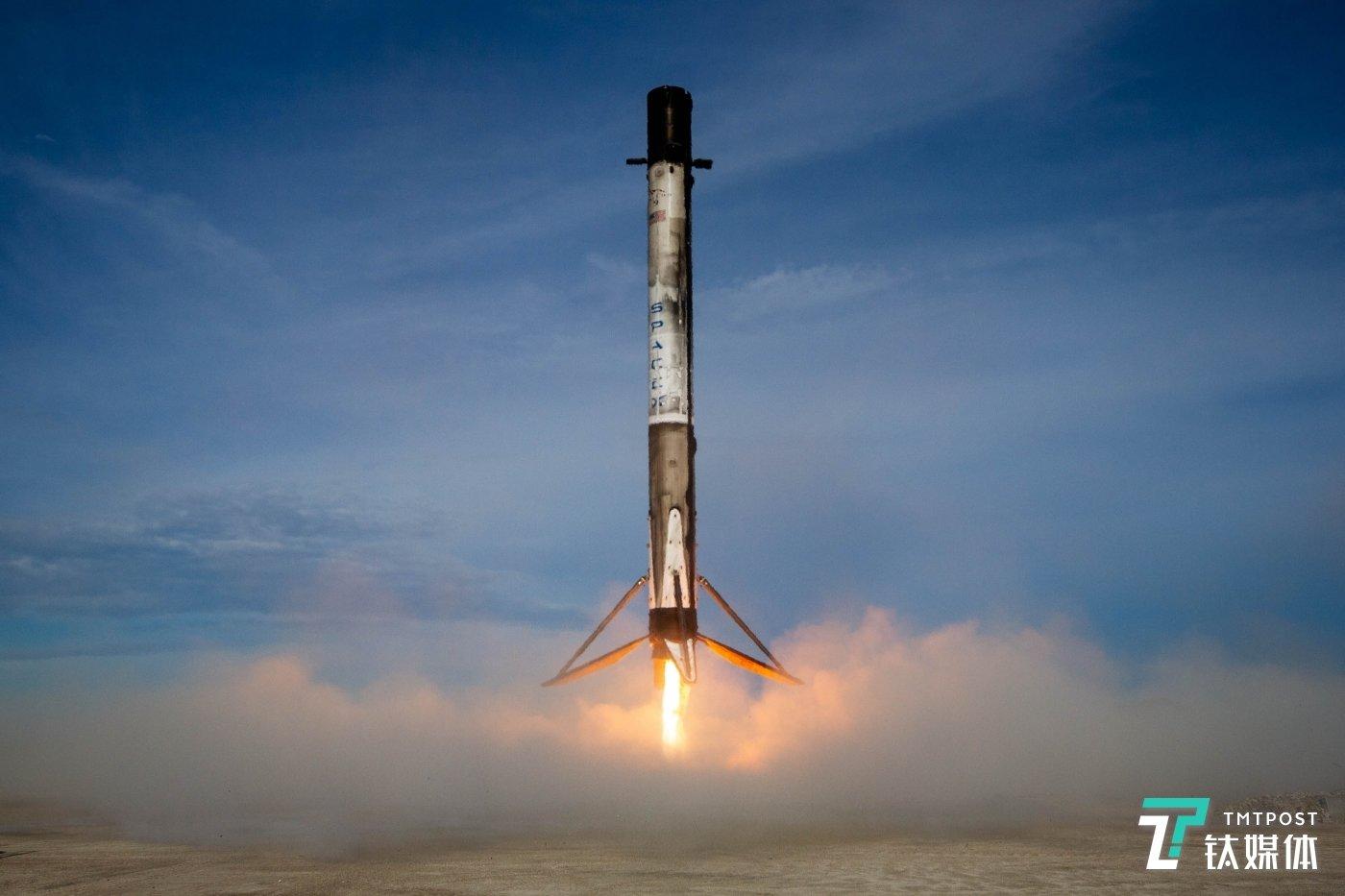 SpaceX的猎鹰火箭升空测试