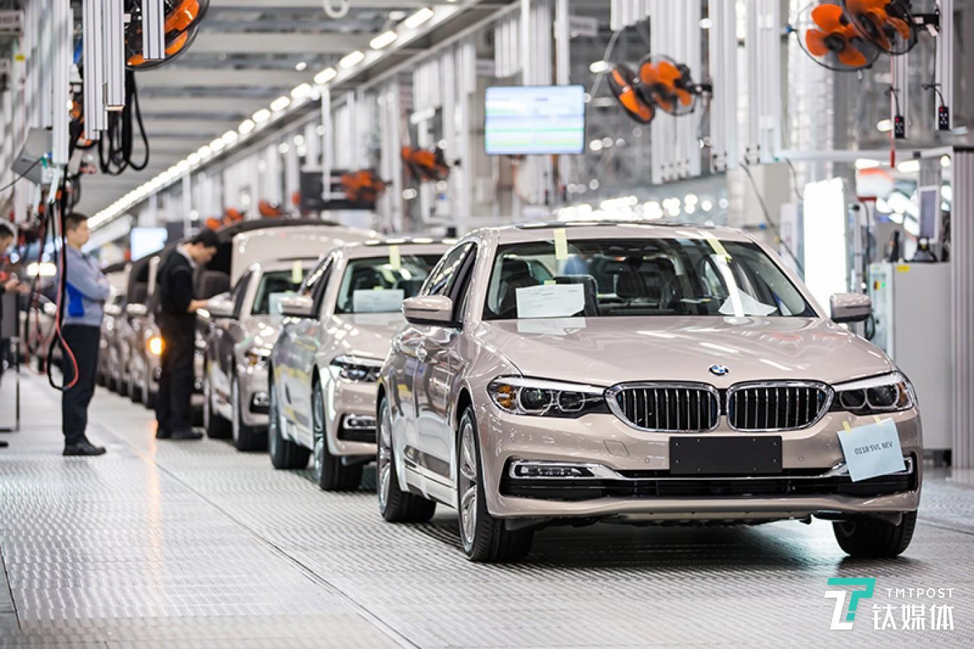 传统动力车型和新能源车型的柔性和共线生产