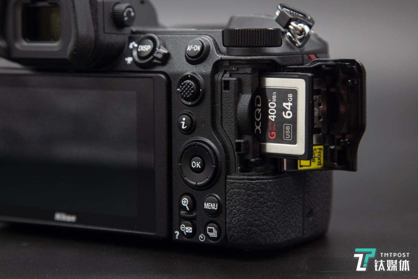 尼康Z7采用单XQD卡设计