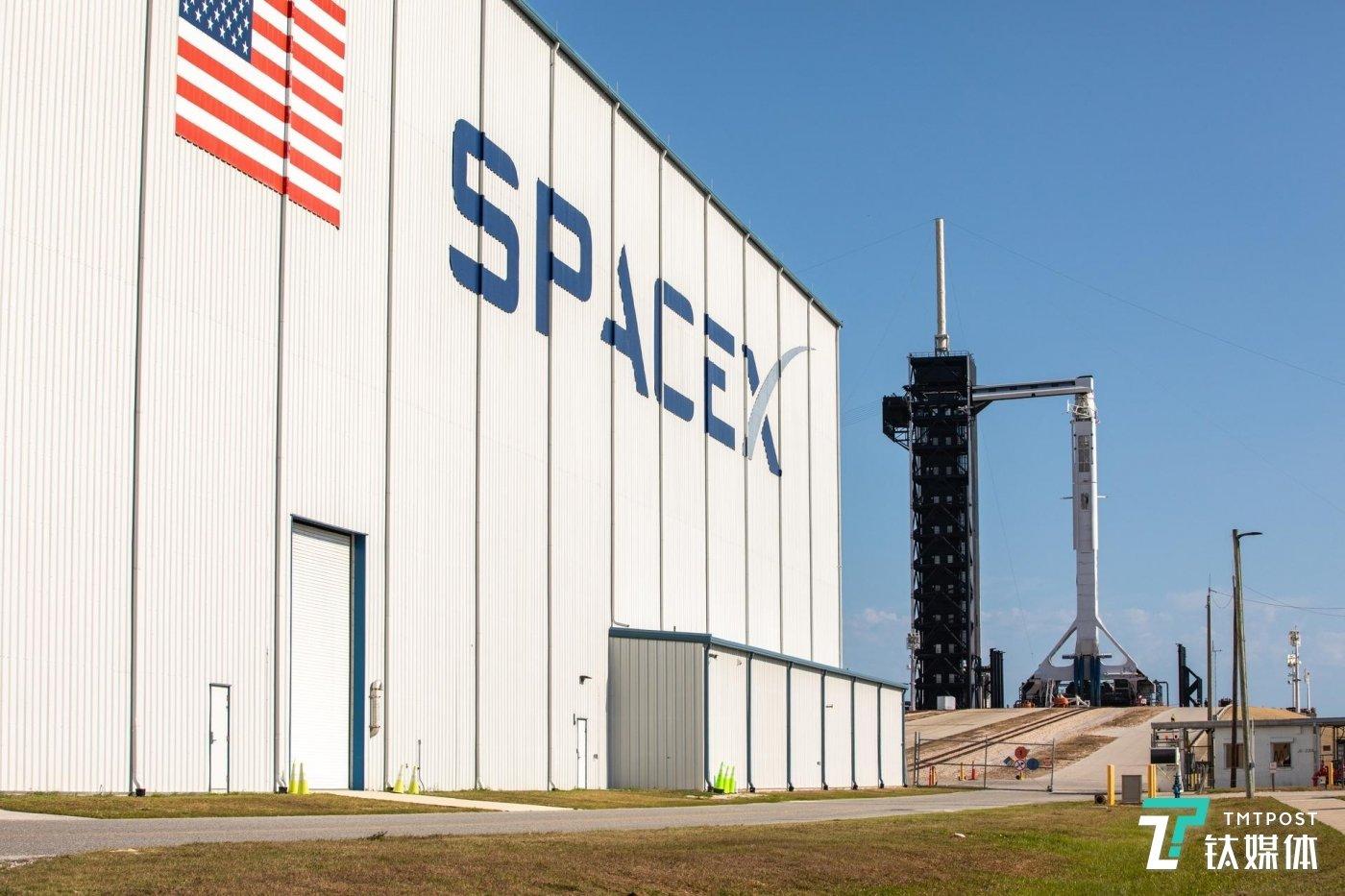 SpaceX(图片来源:NASA)