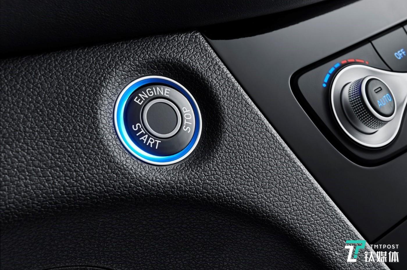 指纹识别系统不仅能够替代钥匙,而且可以根据不同指纹选择预设调整方案