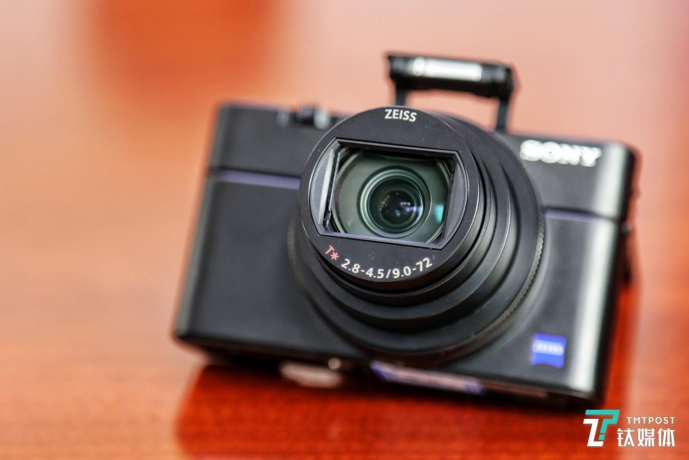 一.蔡司Vario-Sonnar T* 24-200mm*1 F2.8-F4.5镜头
