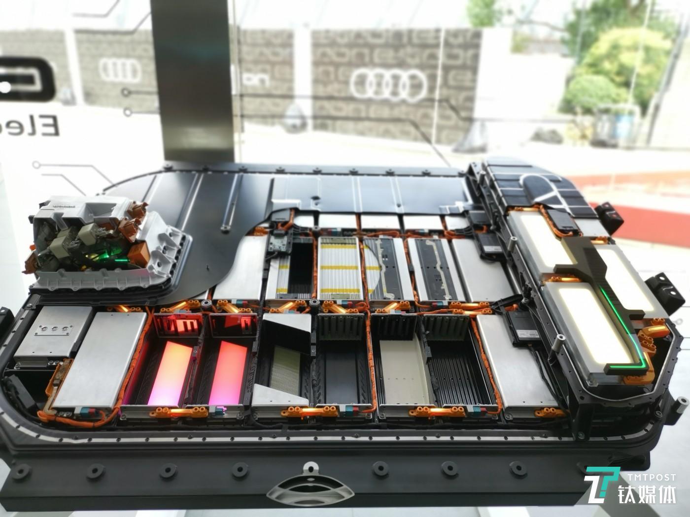底盘电池包模型展示