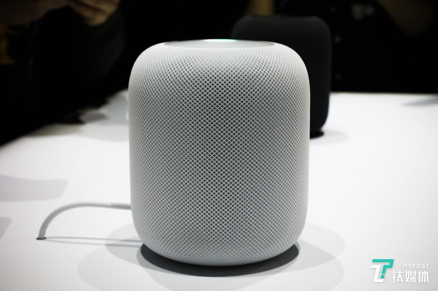 苹果在 Amazon 及 Google 之后也推出了自己的智能音箱 James Martin/CNET