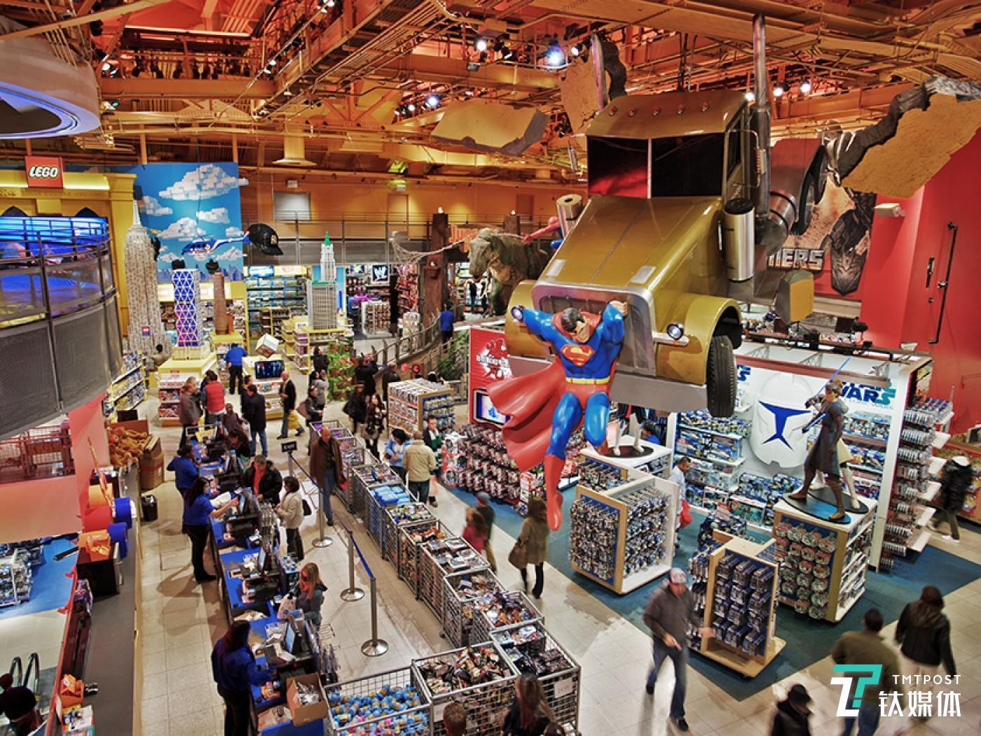 美国时代广场的Toys R Us门店。图片来源/cbsnews