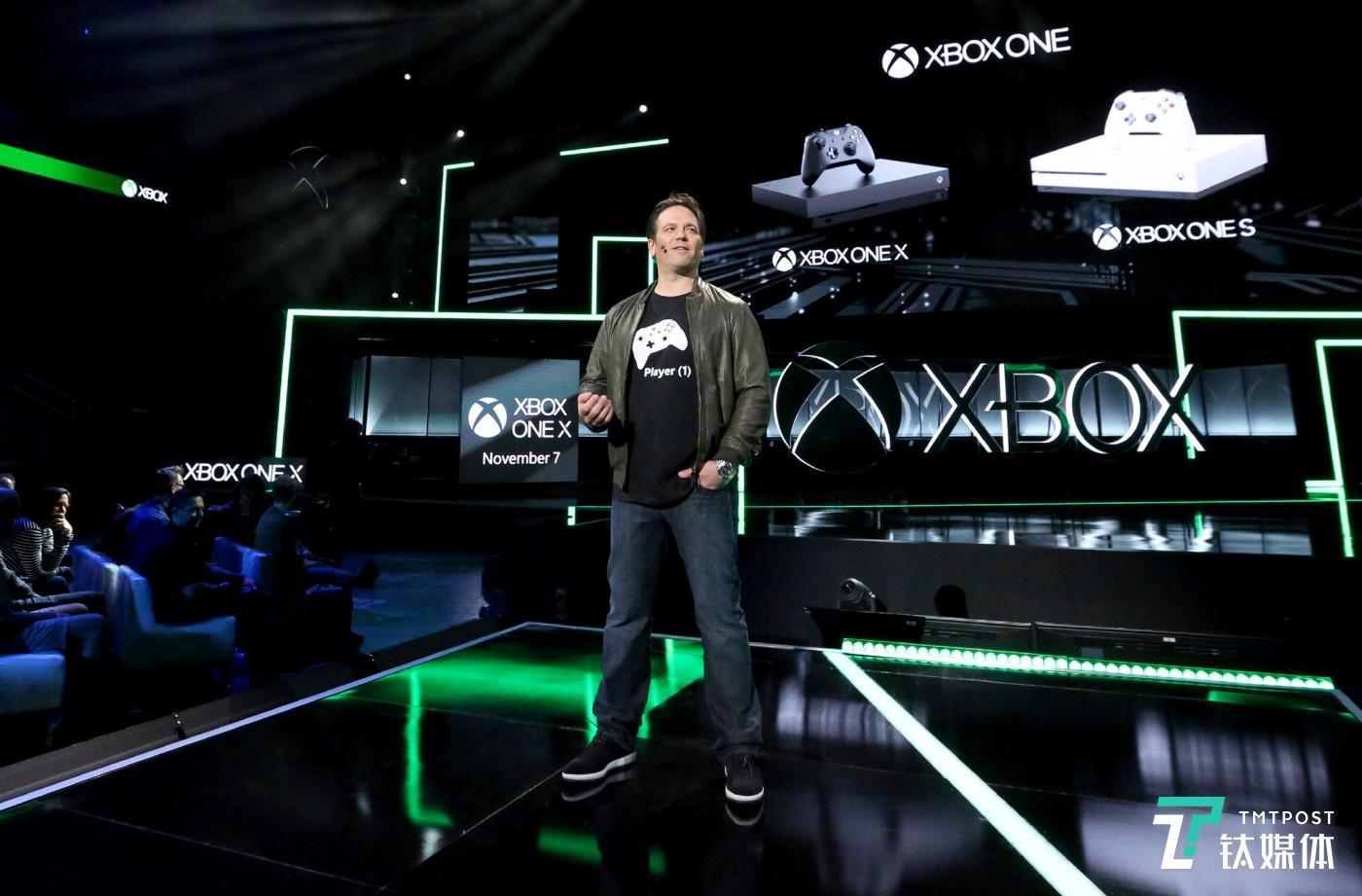 菲尔·斯宾塞在今年 E3上介绍 Xbox One X Casey Rodgers/Invision for Xbox/AP Images