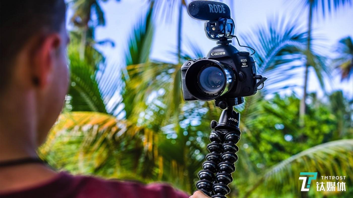 没有麒麟臂,难用单反拍 Vlog