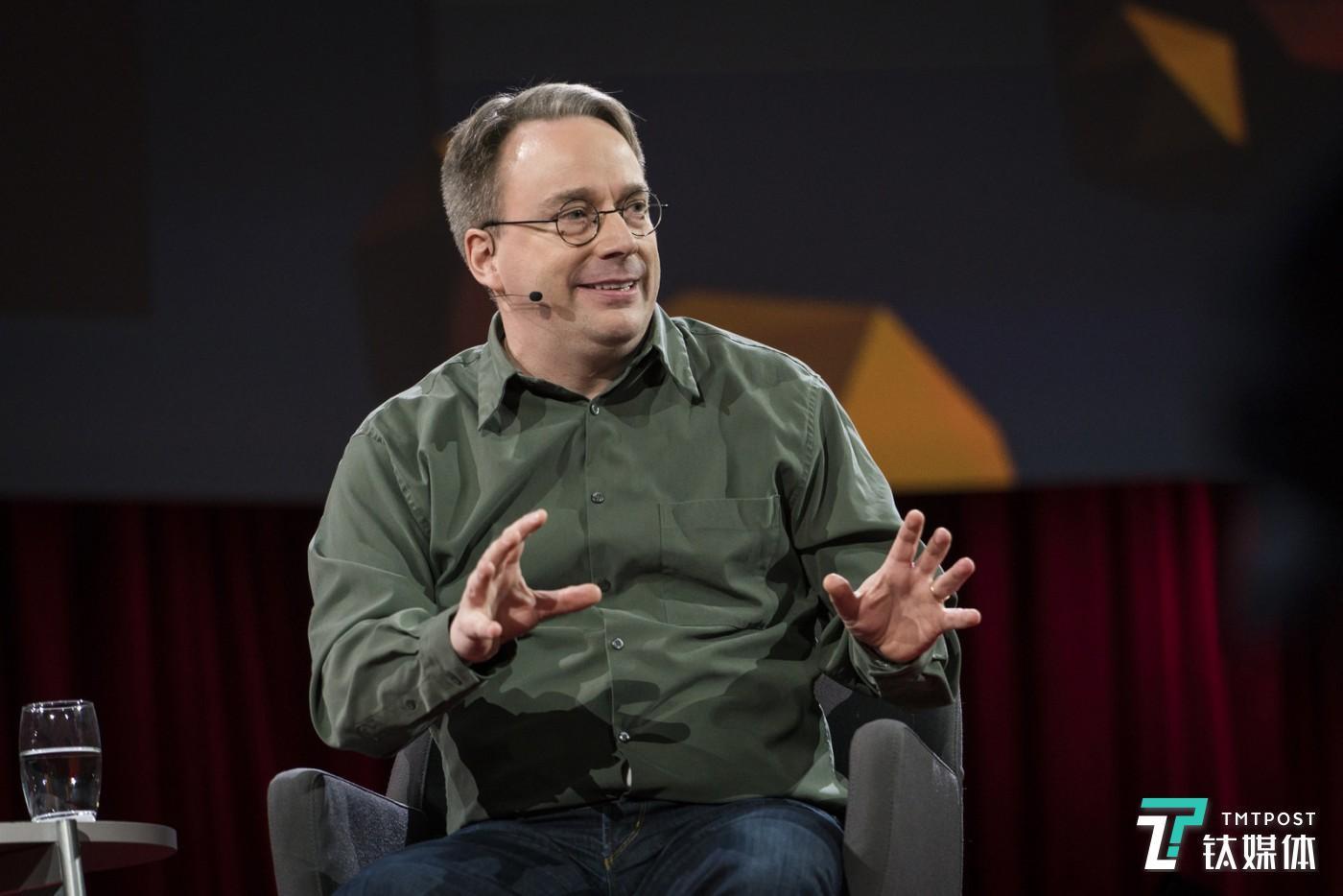 林纳斯在TED2016上 来源:Linux