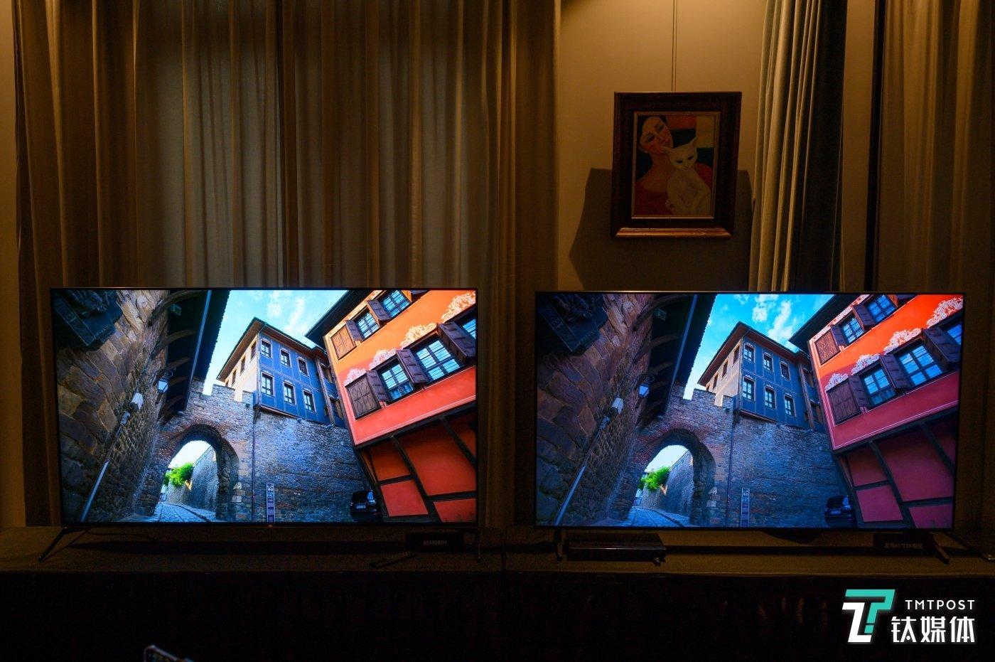 左侧(索尼65X9500H)的阴影与颜色还原优于右侧(三星65Q700T)